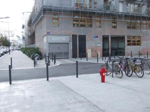 Le stationnement dans l'Ecoquartier de Bonne à Grenoble (Source : CETE de Lyon)